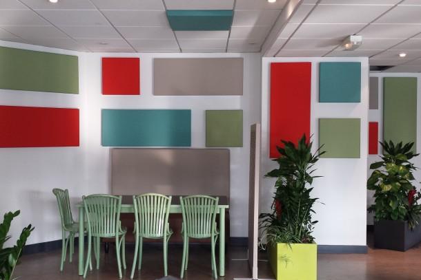 panneaux accoustique mural restaurant salle implanteo
